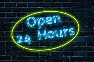 24時間営業のネオン看板
