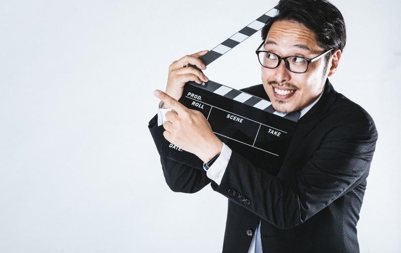 映画監督風の男性